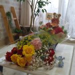母の日、花に囲まれて
